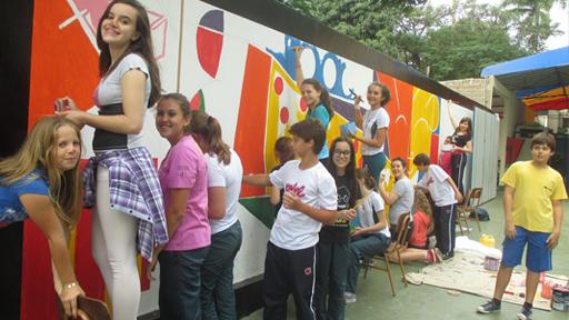Arte No Muro Da Escola